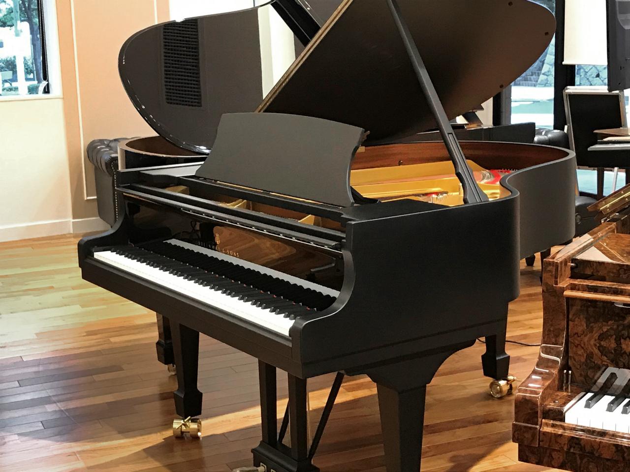 期間限定特別展示Steinway MT-170 (ピアノ教師の皆様のための特別仕様)