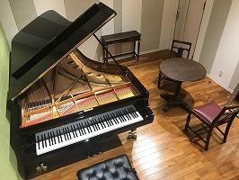 スタインウェイ神戸ピアノルームのD-274